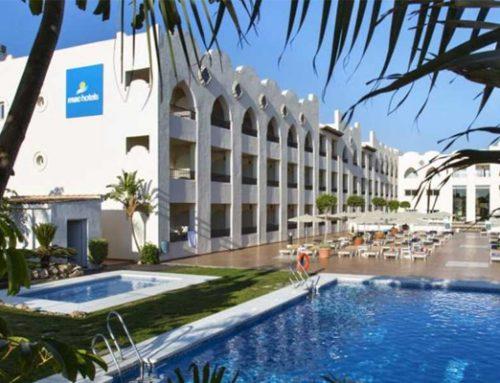 Instalación de nuevas plantas enfriadoras en Hotel Mac Puertomarina